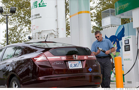 Hydrogen fuel cell cars, like the Honda FCX Clarity, have advantages over other electric cars, but finding a place to fill one up can be tough.