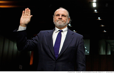 Congressional investigators say former MF Global CEO Jon Corzine ordered a $200 million transfer out of the firm in its final days, raising further questions about what he knew about some $1.6 billion missing from customer accounts.