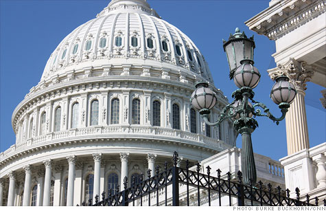A survey of economists found most don't expect Congress to take action to help the economy.