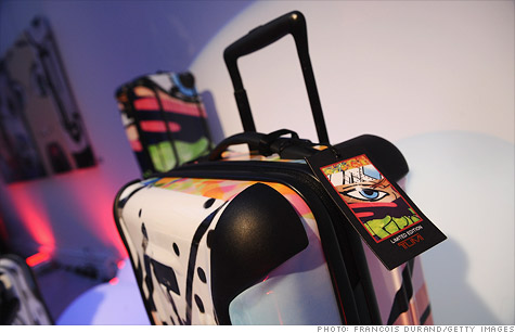 Shares of software firm Splunk and luggage-maker Tumi shot up Thursday in their first day of trading, continuing the recent run of successful IPOs.