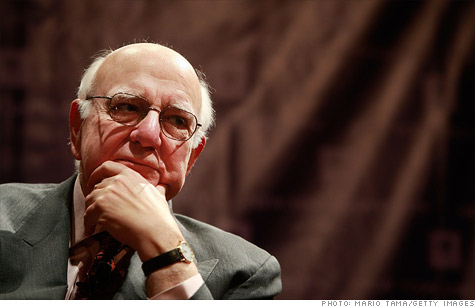 Former Fed chairman Paul Volcker says the banks are too big, but doesn't think regulators need to break them up beyond the limits in Dodd-Frank.