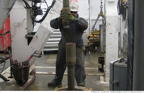 Oil rig workers make nearly $100,000 a year - May  10, 2012