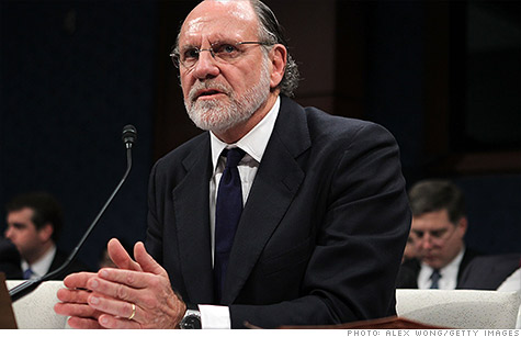The trustee trying to recover missing client funds at MF Global intends to file claims against former CEO Jon Corzine as well as some other former top executives at the firm.