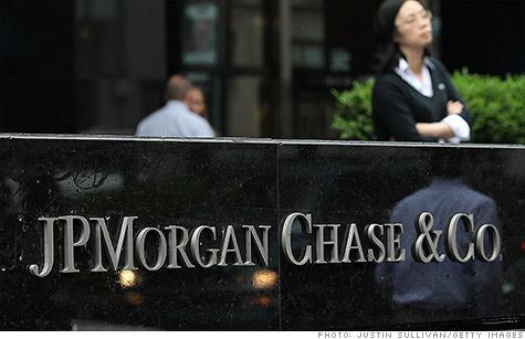 Regulator tells Senate panel ex-JPMorgan exec may lose pay