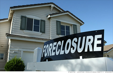 With the industry's settlement over 'robo-signing' behind it, banks are no longer hesitant to issue foreclosure filings.