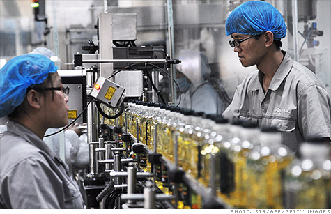 Chinese manufacturing continued to slide in June to a seven-month low, according to a flash report from HSBC.