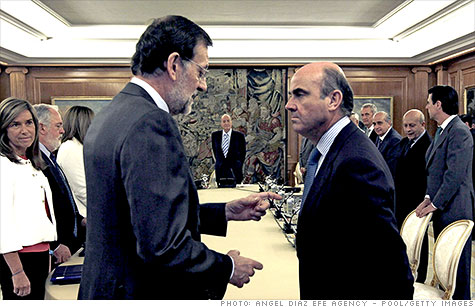 Spanish Prime Minister Mariano Rajoy and Minister of Economy Luis de Guindos at a meeting in Madrid earlier this month.