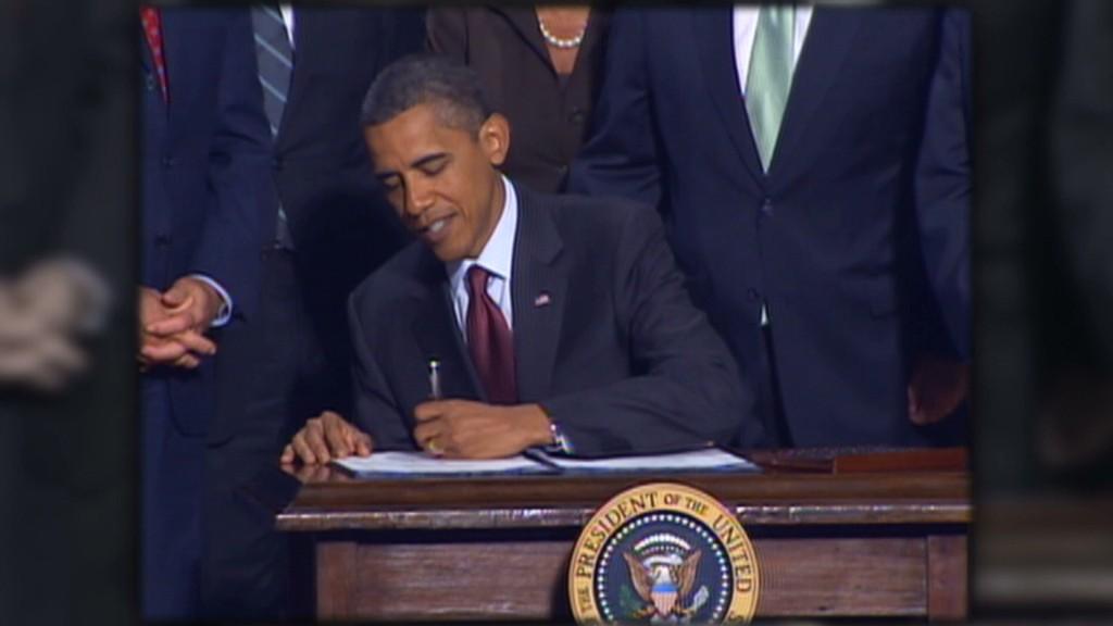 Obama, Romney clash on financial regulation
