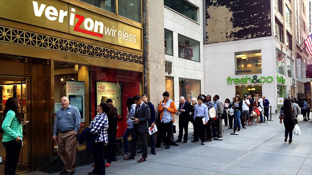Verizon iPhone sales tumble 33%