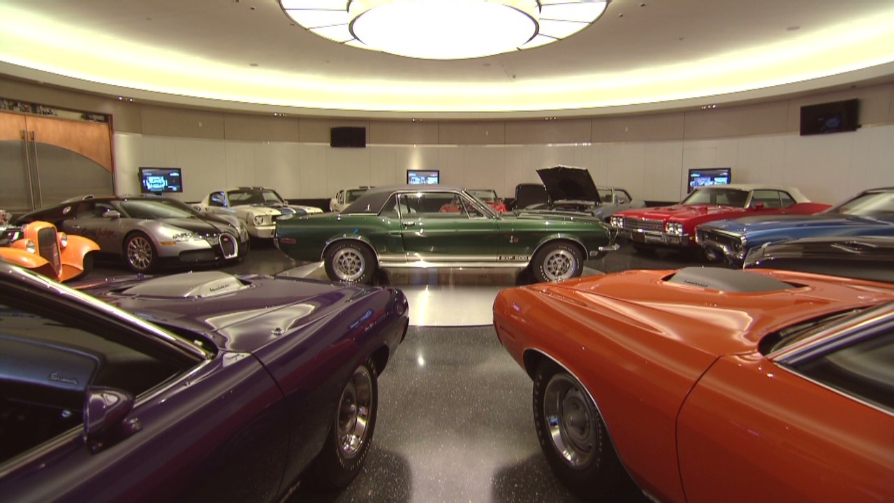 The car collector's ultimate garage - Video - Personal Finance