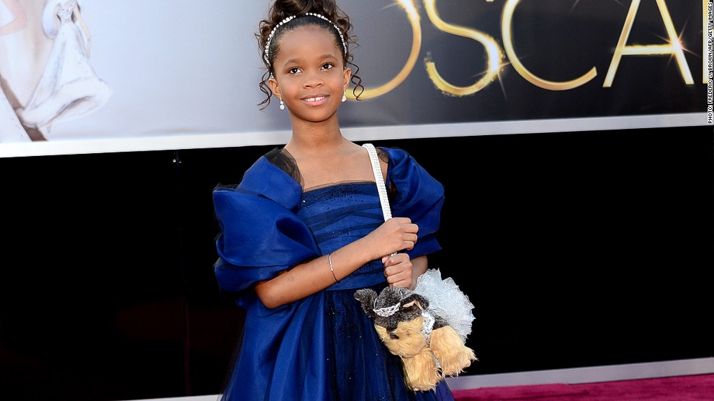quvenzhane wallis puppy purse
