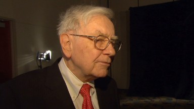 Buffett: Income inequality hurting economy
