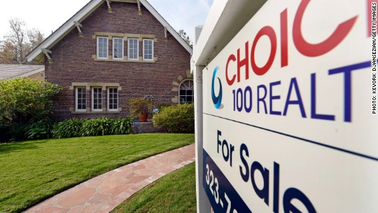 Should I get a fixed- or adjustable-rate mortgage?
