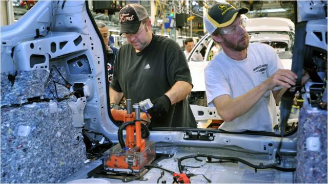 Auto plants skipping summer shutdowns