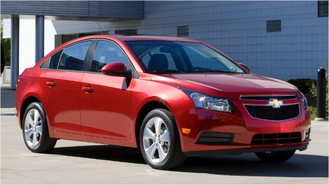 GM to recall nearly 300,000 Chevrolet Cruze cars