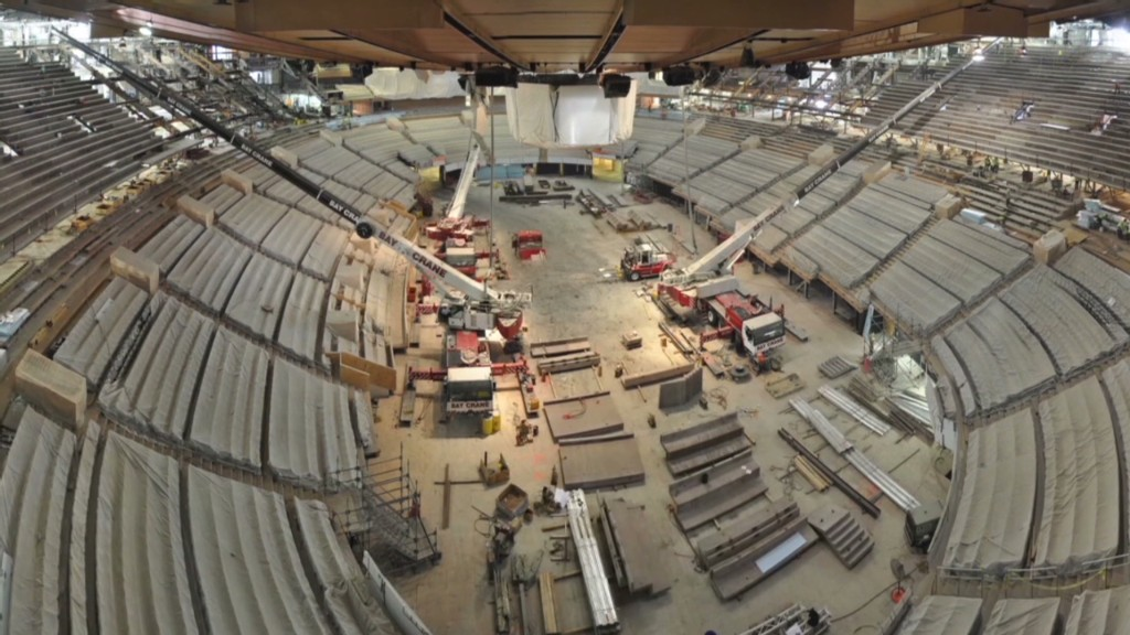 Watch the MSG renovation in 60 seconds