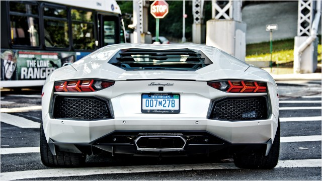 Lamborghini Aventador Insanity In The Big City