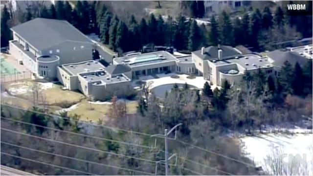 Tremendous Michael Jordans House On Market For 16 Million After Home Interior And Landscaping Ologienasavecom