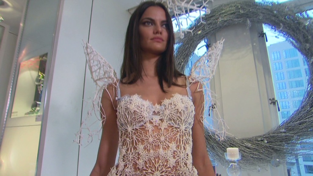Victoria's Secret model's 3D-printed wings