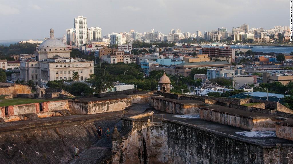 Puerto Rico nears debt default