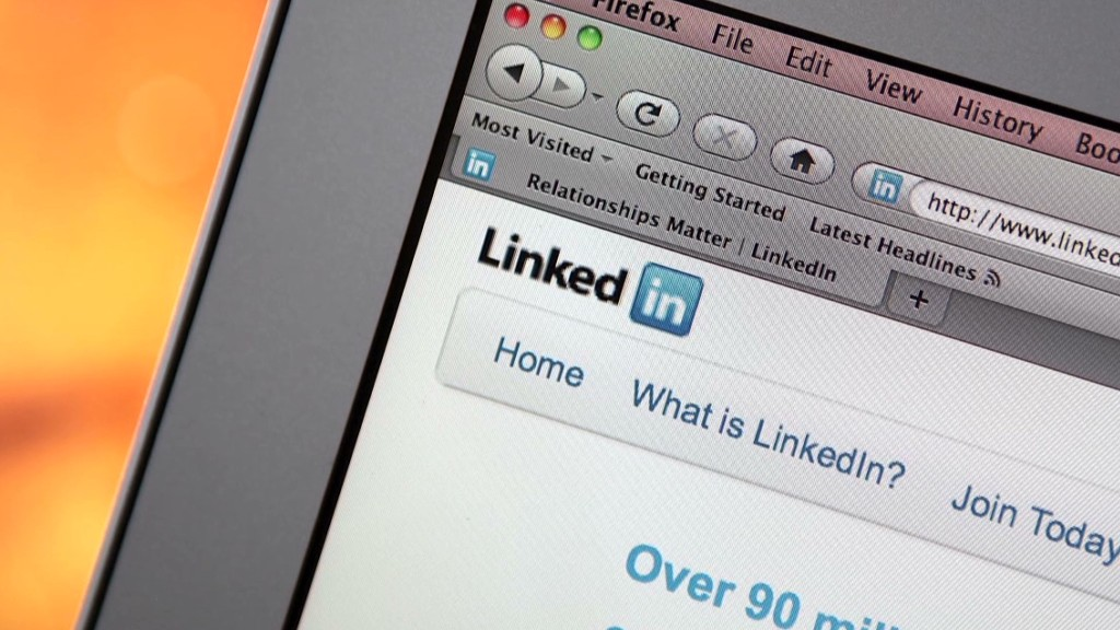 Wall Street disconnects from LinkedIn