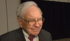 Buffett: Facebook's Mark Zuckerberg is 'remarkable'
