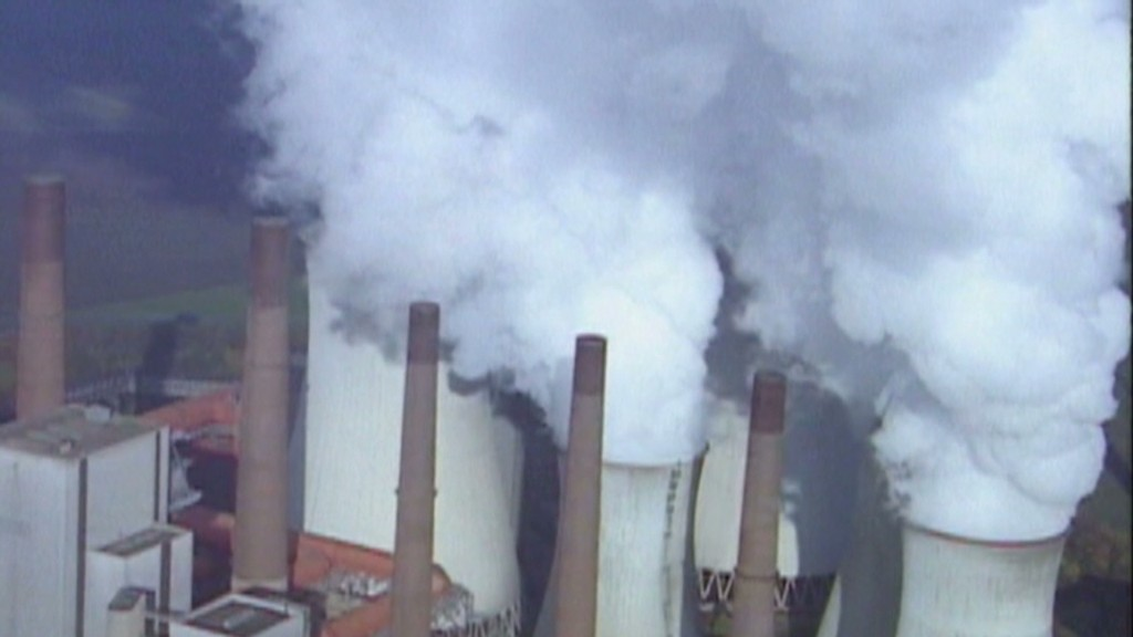 Obama pushes to curb carbon emissions