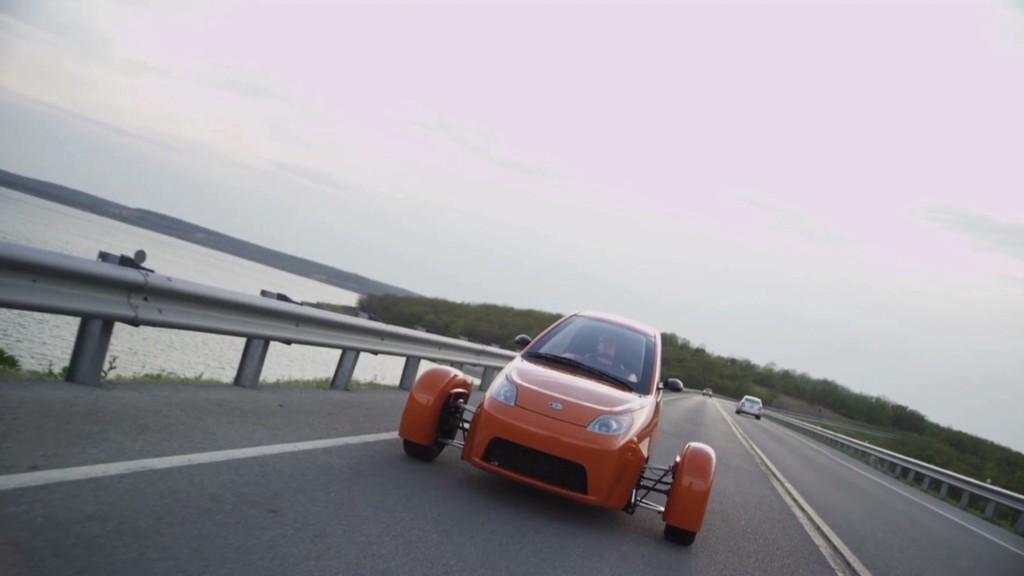 Elio: 3 wheels, 84 mpg, $6,800