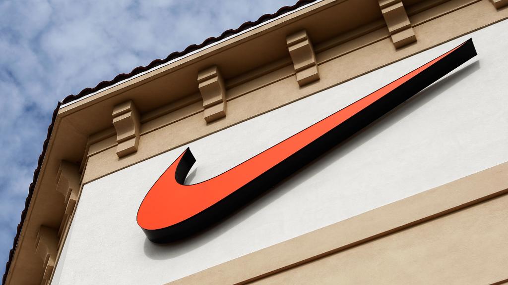 Nike 1, Adidas 0
