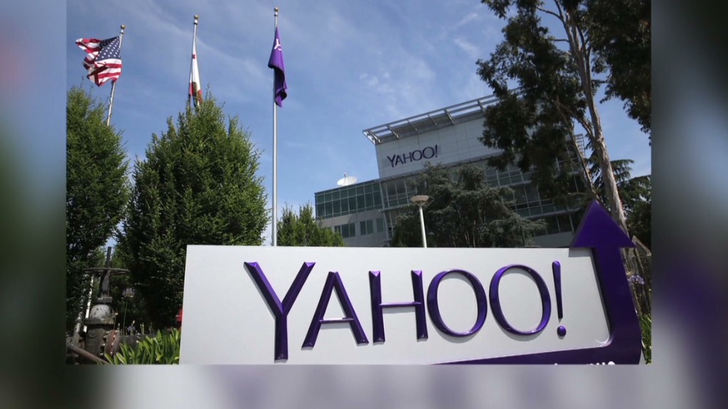 Female Yahoo exec sued for harassment
