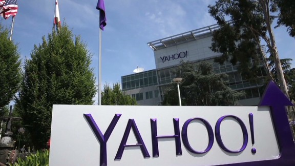 Female Yahoo exec sued for sexual harassment