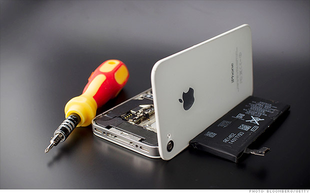 apple iphone 5 recall apple recalls iphone 5 s for battery woes aug 25 2014 3211