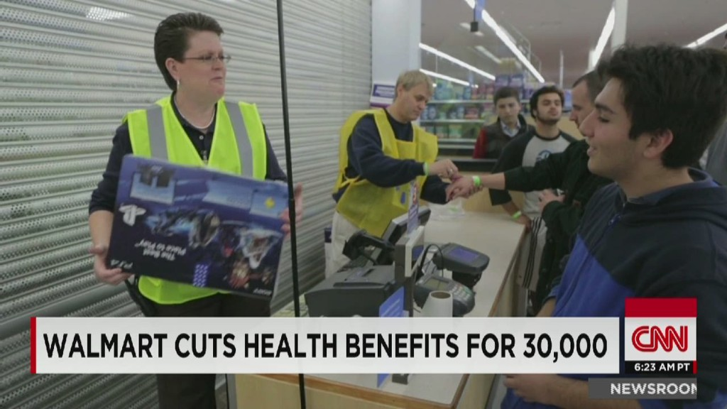 Wal-Mart cuts benefits for 30,000 workers