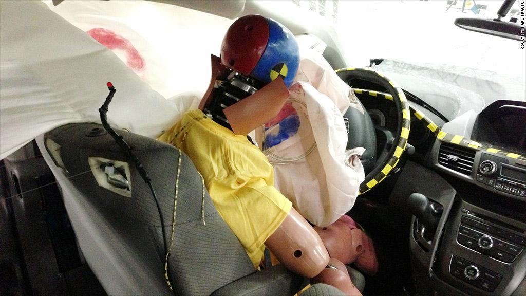 airbag dummy