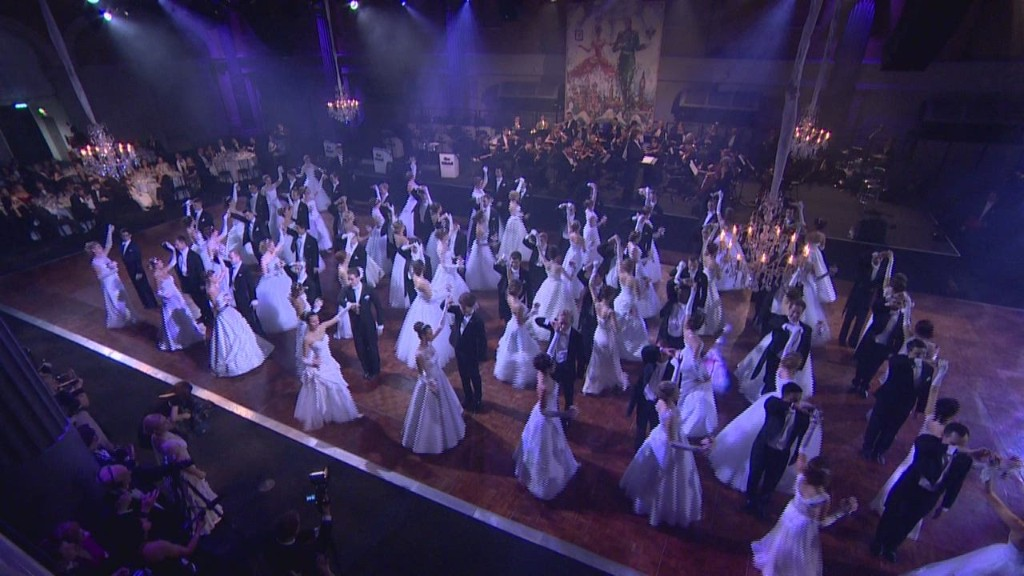 Russian debutantes dazzle London