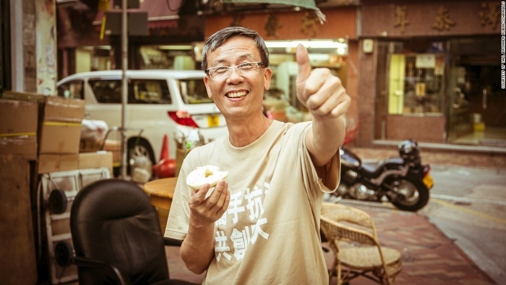 bagels hk thumbs up