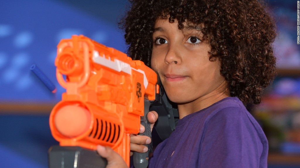top trending toys 2014 nerf gun