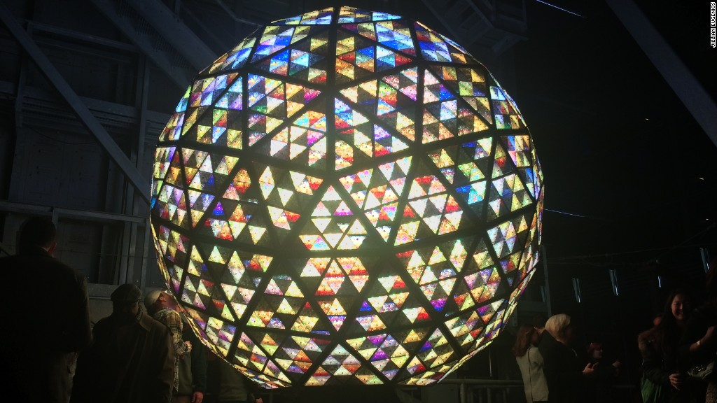 Crazy facts about the New Year's Eve ball