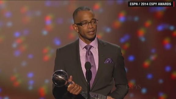 ESPN 'SportsCenter' anchor Stuart Scott dies after battle with cancer