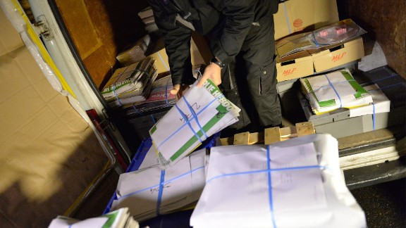 The new Charlie Hebdo sells out in Paris