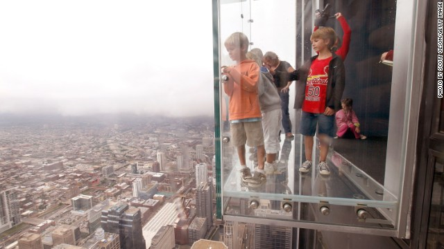 Chicago S Tallest Building Willis Tower Sells For 1 3 Billion
