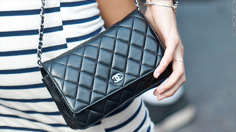 Chinese shoppers line up for cheaper Chanel bags