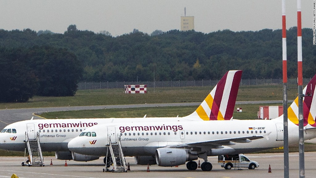 Germanwings flight 9525 crashes in France