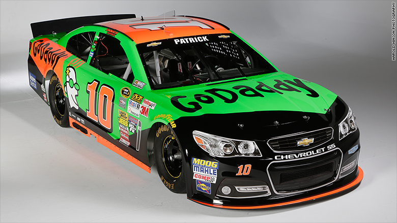 Godaddy Races Onto Wall Street Stock Soars 30 After Ipo