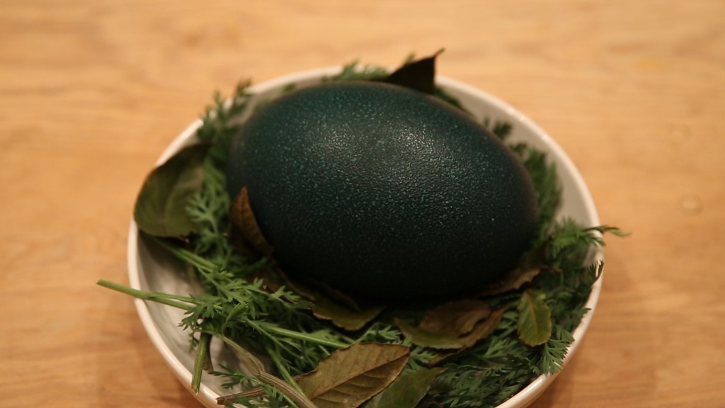 A Game of Thrones 'dragon egg' dinner