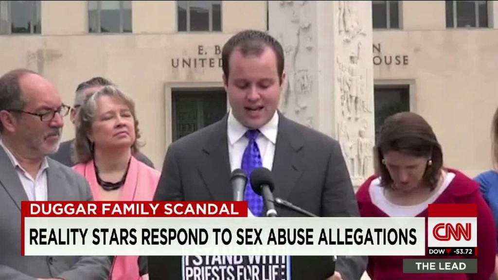 TLC pulls '19 Kids and Counting' over Duggar scandal