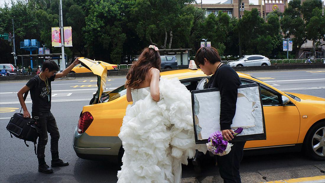 taiwanese bride taxi ride