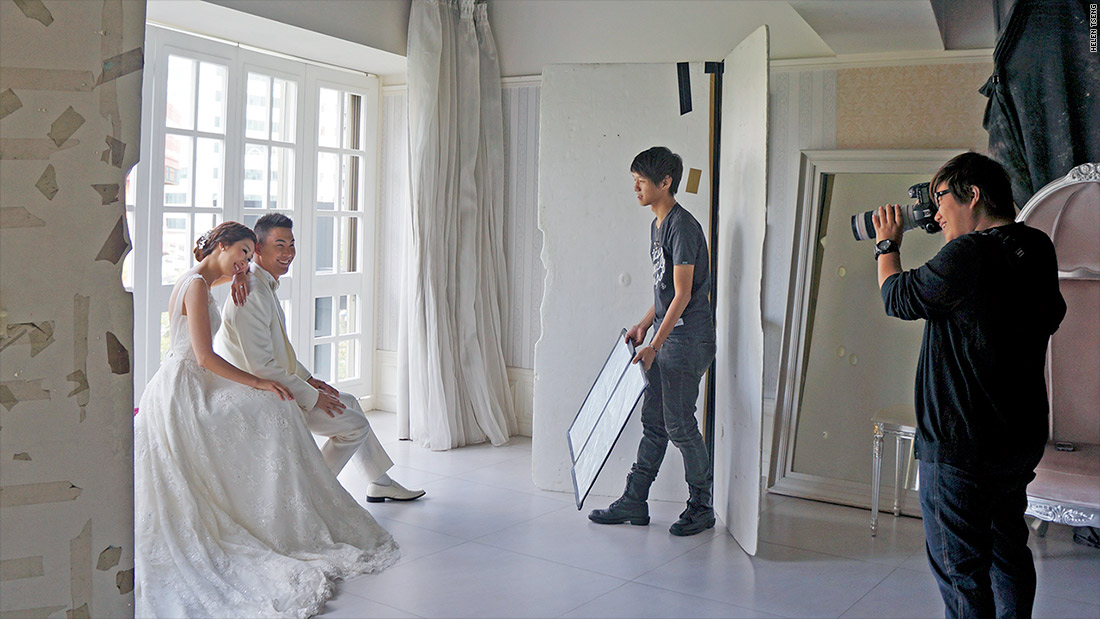 taiwanese bride indoor white set