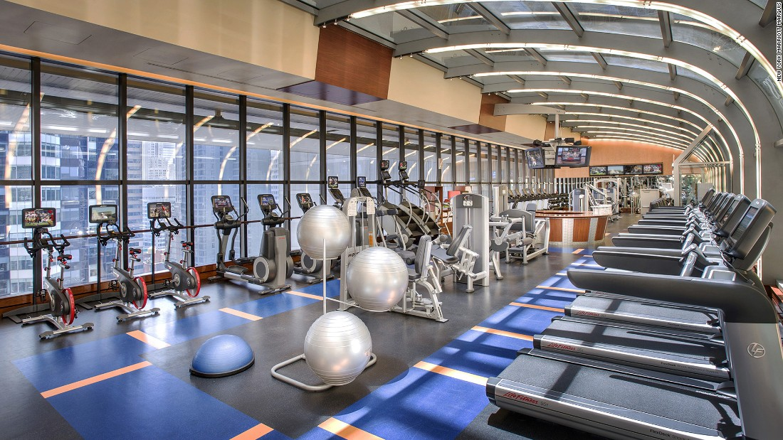 New york marriott marquis 12 hotel coolest hotel fitness for Mundo fitness gym