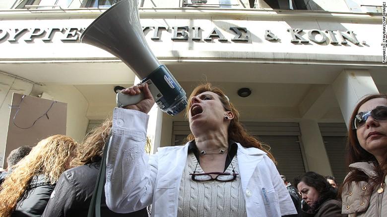 greece health crisis